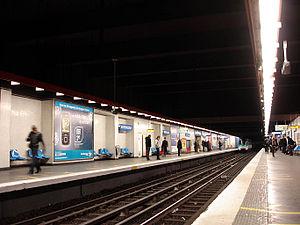 Miromesnil (Paris Métro) - Image: Metro de Paris Ligne 13 Miromesnil 01