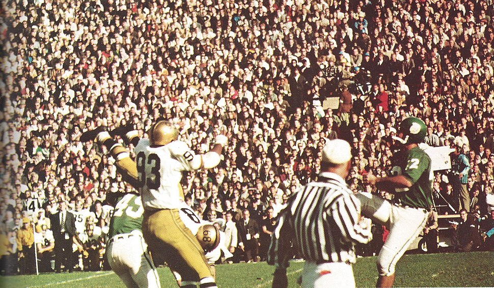 Mike Kenney kicks field goal against Notre Dame (1966)