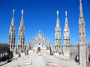 Gotika 300px-Milan_duomo76