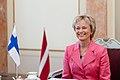 Ministru prezidents Valdis Dombrovskis tiekas ar Somijas vēstnieci Latvijā Mariju Sereniusu (7452933256).jpg