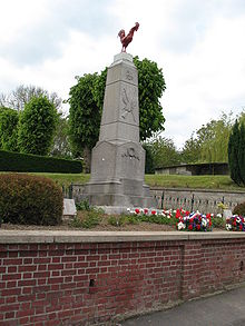 Monument aux morts de Querrieu 003.JPG