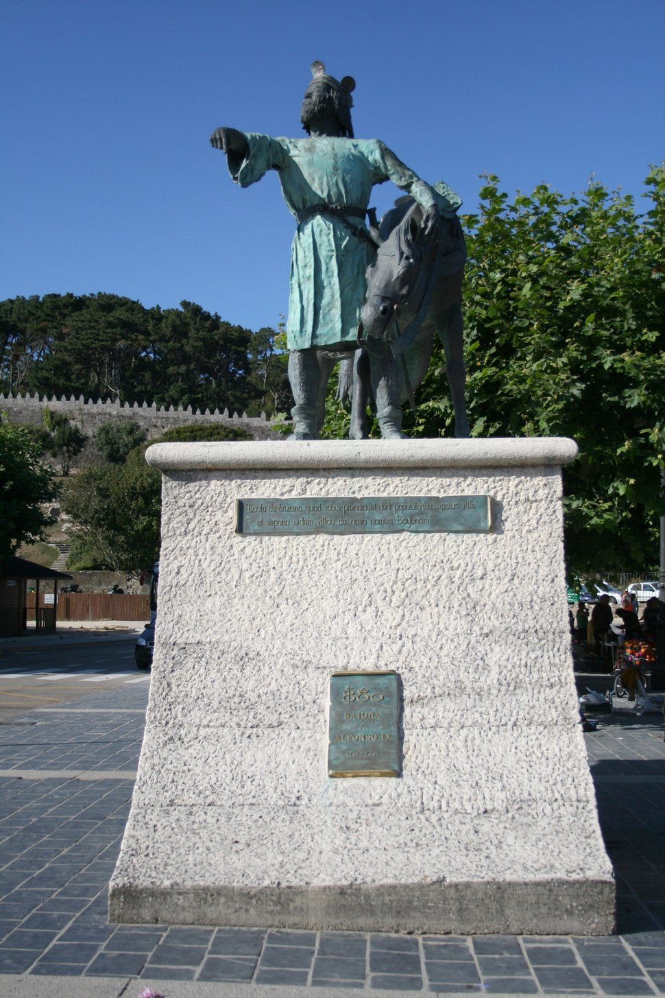 Monumento a Alfonso IX