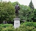 Nathan Hale Statue - panoramio.jpg