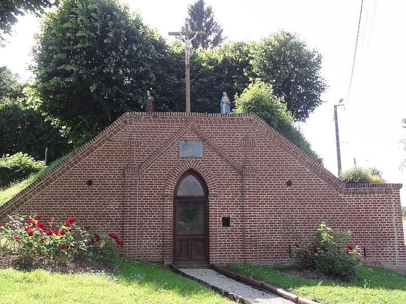 Neuve-Maison (Aisne) groupe calvaire-oratoire