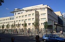 Новое посольство США - Mutter Erde fec.jpg