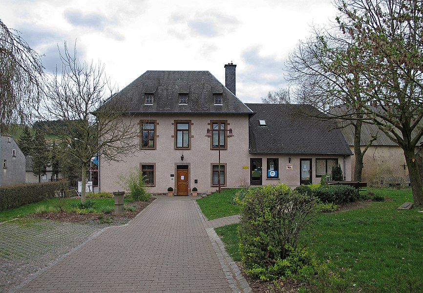 Town hall of the municipality of Feelen in Niederfeulen