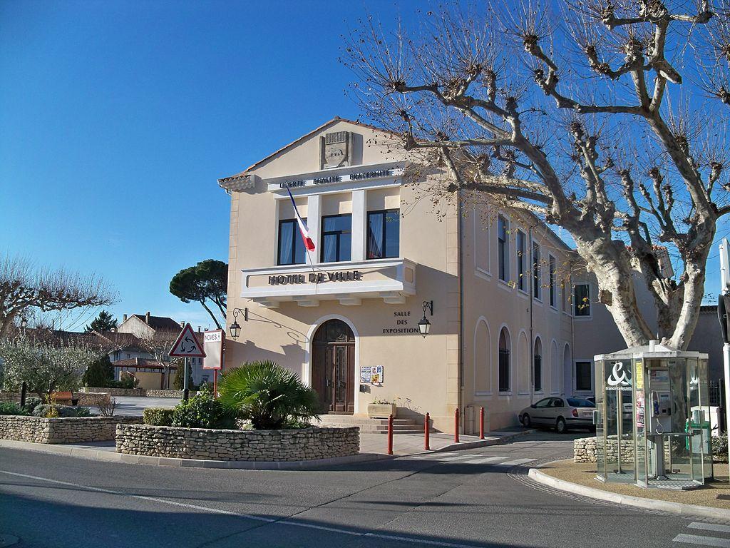 Noves - Mairie 1.jpg