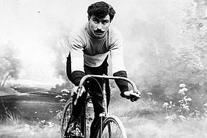 Octave Lapize - Image: Octave Lapize on a bicycle