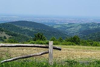 Fruška Gora - Image: Odmaraliste Zmajevac na FG