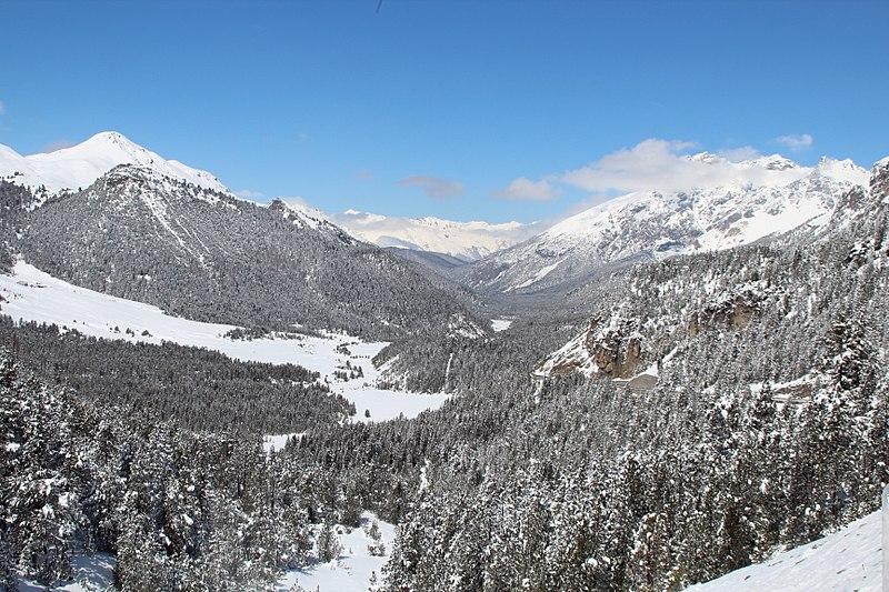File:Ofenpass Snow.JPG