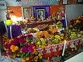 Ofrenda en mercado de Puebla.jpg