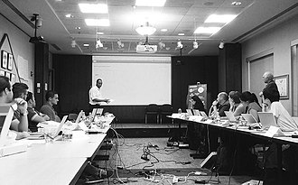 Ade A. Olufeko - Olufeko imparting to scientists on Visual design at American Chemical Society in DC. c.2015
