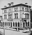 Ontario Bank, Scott St., n.e. cor. Wellington St. East.jpg
