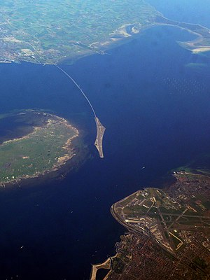 English: Oresund Bridge, view from top. June 2008