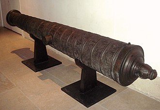 Capture of Peñón of Algiers (1529) - Ornate Ottoman cannon cast 8 October 1581 in Algiers. Length: 385cm, cal:178mm, weight: 2910kg, stone projectile. Musée de l'Armée, Paris.