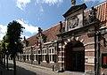 Oudemannenhuis toegangspoort (Haarlem).JPG