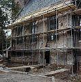 Overzicht van de in steigers staande zuidgevel - Sassenheim - 20384550 - RCE.jpg
