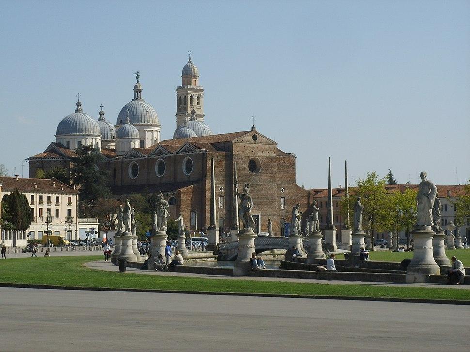 Padova, prato della valle, santa giustina