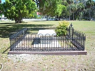 Bronson–Mulholland House - Image: Palaka Bronson grave 01