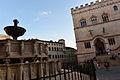 Palazzo dei Priori e Fontana Maggiore 06.jpg