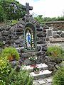 Panna Marie lurdská za kostelem Pustiměř.jpg