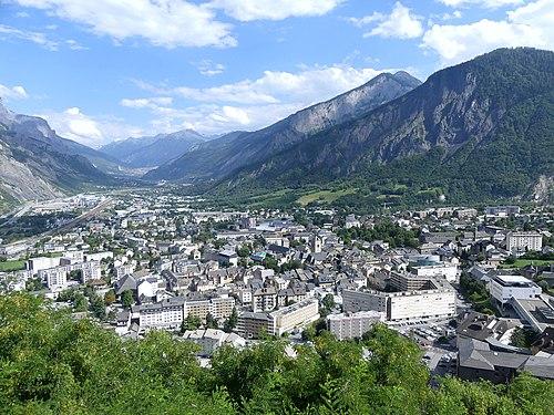 Panorama Saint-Jean-de-Maurienne (juillet 2018).JPG