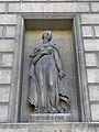 Paris (75008) Église de la Madeleine Extérieur Statue 26.JPG