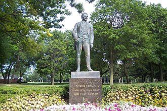 Cudahy, Wisconsin - Patrick Cudahy Memorial statue in Sheridan Park