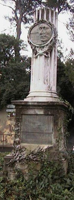 Louis Paulhan - Paulhan's monument in Pézenas
