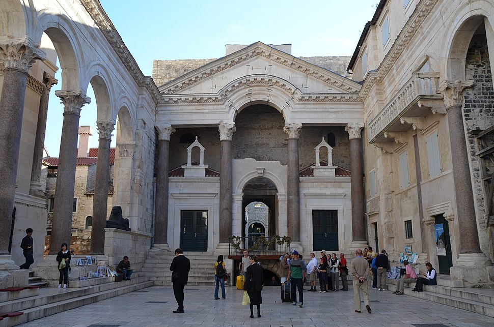 Peristyle of Diocletian's Palace, Split (11908116224)