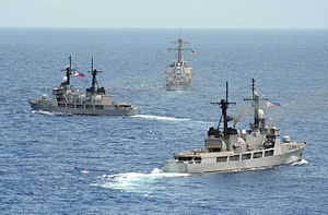 BRP Ramon Alcaraz (FF-16) - Image: Philippine frigates with USS John S. Mc Cain (D Dg 56) in June 2014
