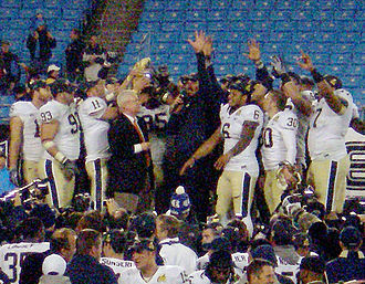 2009 Pittsburgh Panthers football team - Dave Wannstedt addresses the crowd during the trophy presentation following the 2009 Meineke Car Care Bowl, in which Pitt defeated North Carolina 19-17