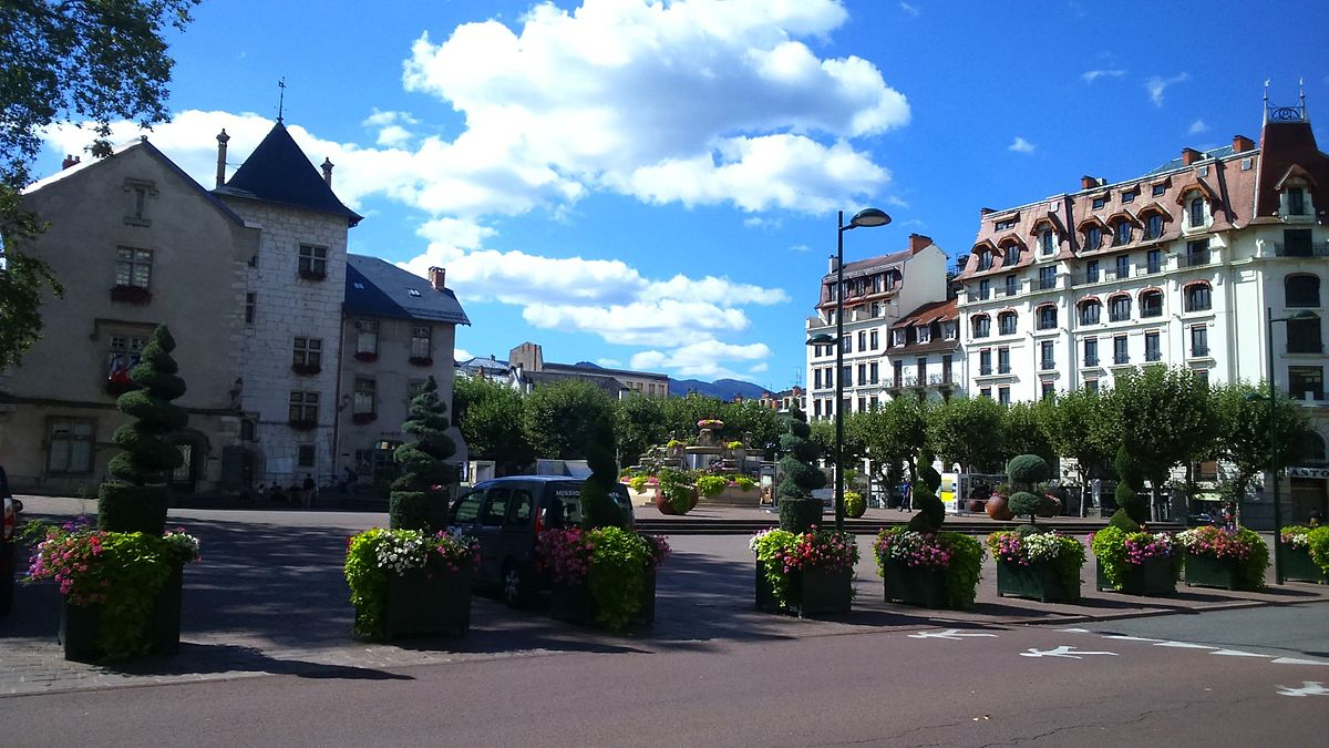 Place maurice mollard wikip dia for Hotel aux les bains