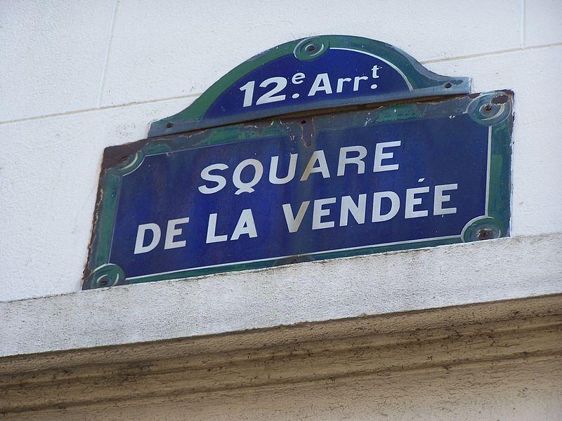 Fichier:Plaque square de la Vendée.JPG