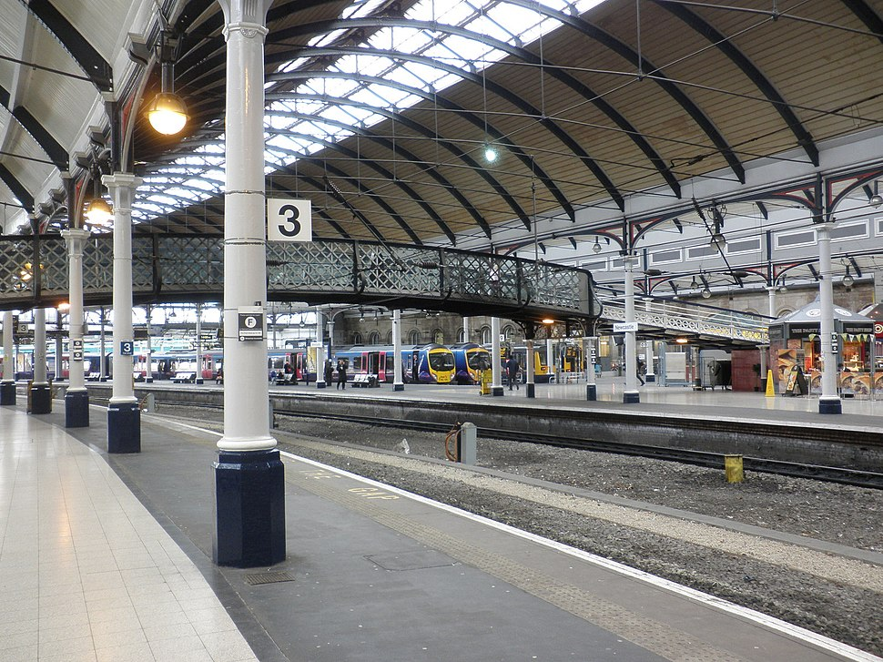 Platforms 2 and 3, Newcastle Central Station - geograph.org.uk - 1707736