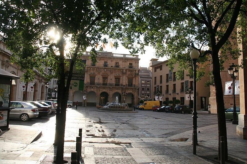 Archivo: Plazamayorcastellón.jpg