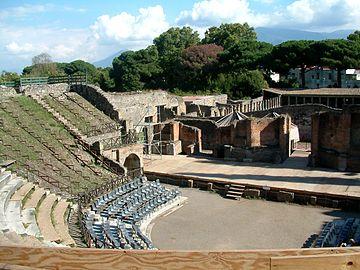 Pompeje teatr wielki.JPG