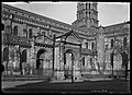 Porte Miègeville - Basilique Saint-Sernin. - FRAC31555 18Fi016.jpg