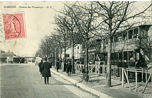 Porte de Vincennes - The porte de Vincennes at the beginning of the twentieth century as seen from Saint-Mandé, at the level of the tramway station for Nogentais Railways.