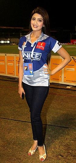 Pranitha at CCL 3's Chennai Rhinos Vs Karnataka Bulldozers match.jpg