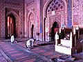 Prayer in Fakhtipur Sikhri (5871066947).jpg