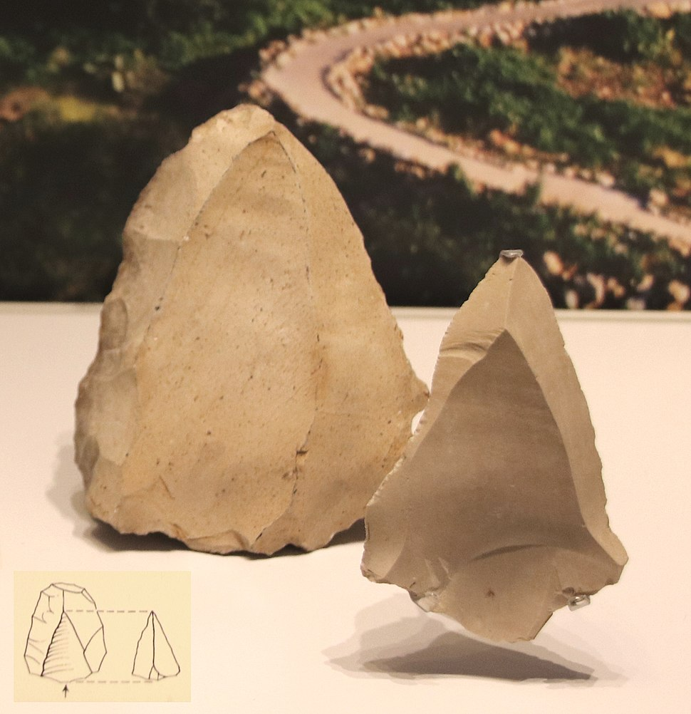Production of points & spearheads from a flint stone core, Levallois technique, Mousterian Culture, Tabun Cave, 250,000-50,000 BP (detail)
