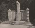 Prof. Cirillo dell'Antonio - Kriegerdenkmal in Bad Warmbrunn.png