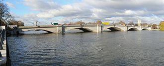 Putney Bridge - Putney Bridge looking upstream