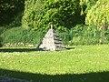 Pyramide de Carville.jpg