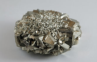 Lustre (mineralogy) - Pyrite