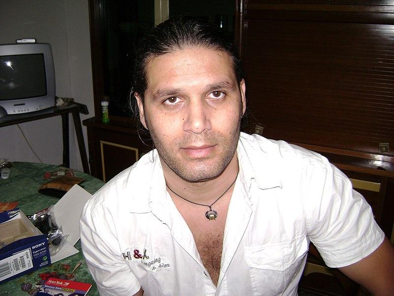 File:Questo sono io - niko - Lushnje - Albania 2008 - panoramio.jpg