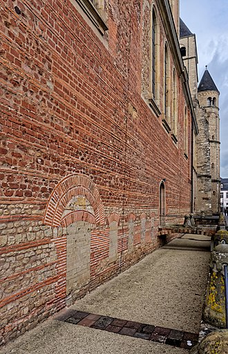 Cathedral of Trier - Image: Römisches Mauerwerk am Dom in Trier. 02