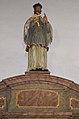 Rüthen Nikolauskirche Heiligenfigur auf dem rechten Beichtstuhl 2.JPG