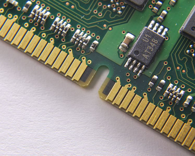 File:RAM - closeup of connector.jpg